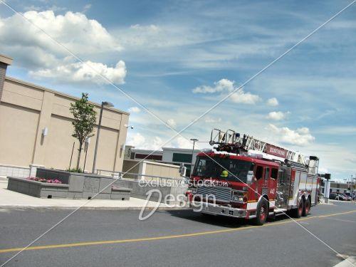 Camion pompier centre commercial