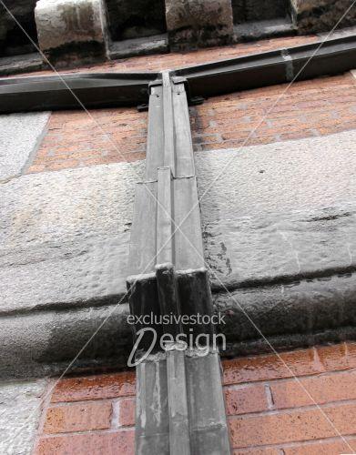 banque d 39 image goutti re en gros plan sur mur de brique gel exclusive stock design. Black Bedroom Furniture Sets. Home Design Ideas