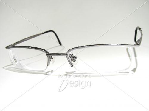 Paire lunette vue isolée fond blanc face