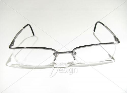 Paire lunette vue isolée fond blanc
