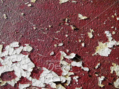 Peinture blanche écaillée métal rouge