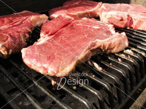 Pièce viande steak grille barbecue bbq
