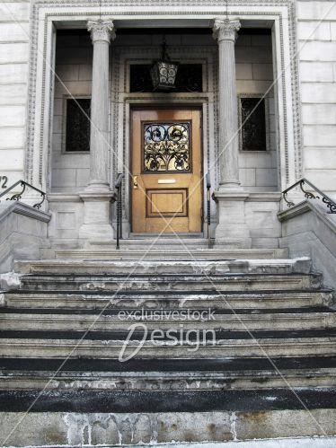 Porte luxueuse ancienne bois ornée métal zoom