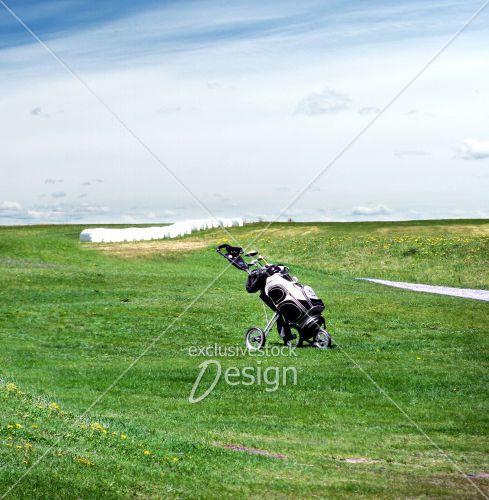 Sac bâtons golf abandonné terrain