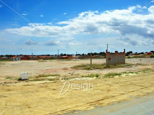Ville près désert dans sud