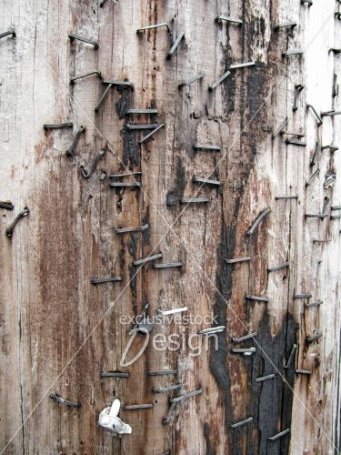 broches métal poteau brulé